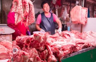 2021年10月26日全国各省市白条猪肉批发均价报价表,猪肉批发价较上月上涨2-5元/公斤,猪肉又要吃不起了?